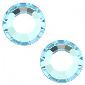 Swarovski Elements SS30 (6.4mm) Aquamarine blue