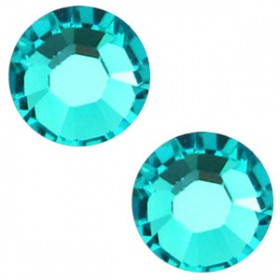 Swarovski Elements SS30 (6.4mm) Blue zircon