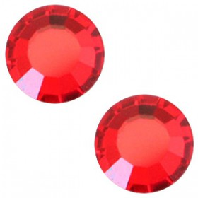 Swarovski Elements SS30 (6.4mm) Light siam red