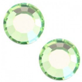 Swarovski Elements SS30 (6.4mm) Peridot green