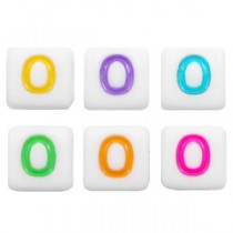 letterkralen gekleurd vierkant