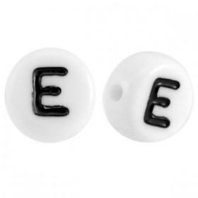 Acryl letterkraal rond E