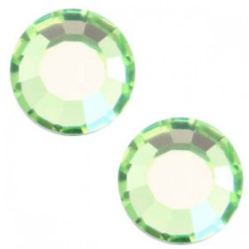 Swarovski Elements SS20 (4.7mm) Peridot green