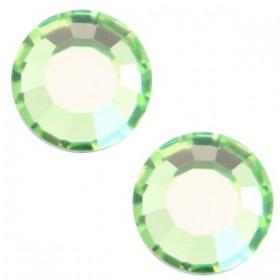 Swarovski Elements SS30 (6.4mm) Peridot green